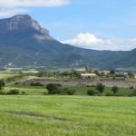 Vista de Peña Oroel desde el sendero de Caniás